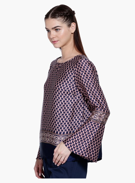 Long Sleeves Top with Round Neck in Regular Fit