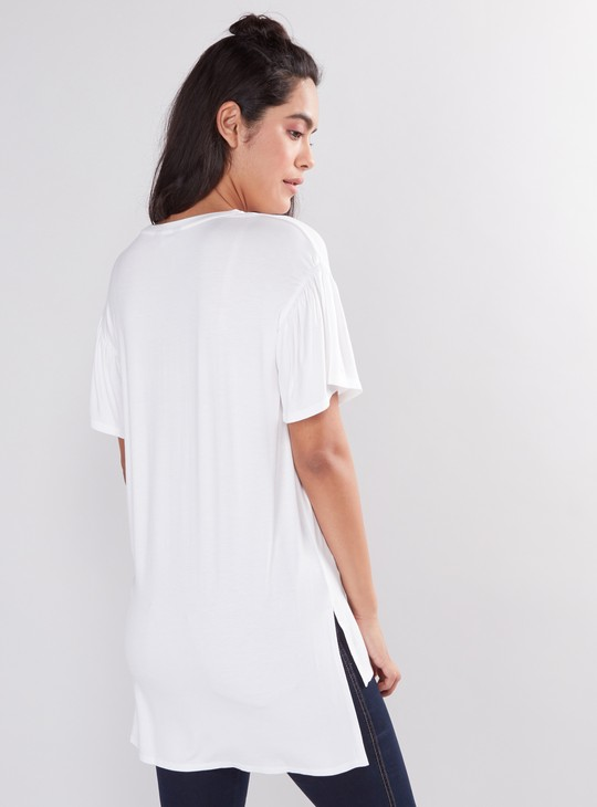 Printed Longline T-Shirt with Round Neck and Short Sleeves