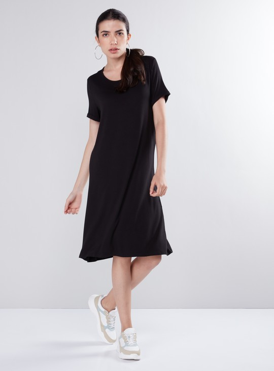 Scoop Neck Shift Midi Dress with Short Sleeves