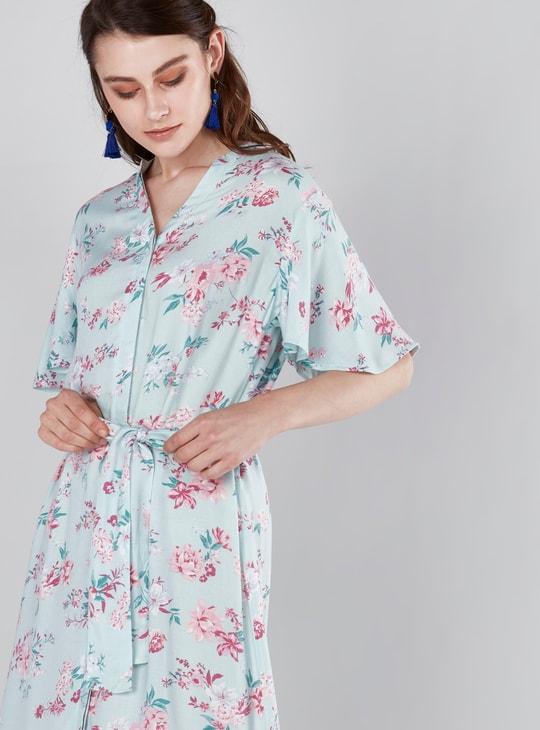 فستان قميص متوسط الطول بأكمام واسعة وطبعات أزهار