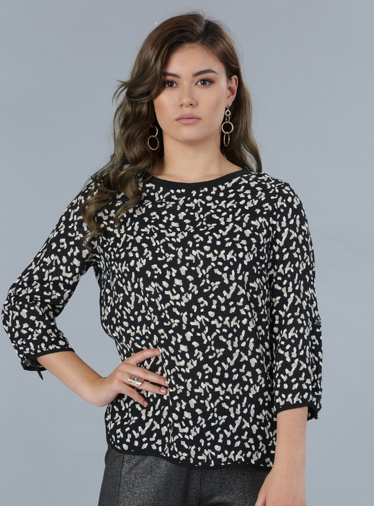 Printed 3/4th Sleeves Top with Piping
