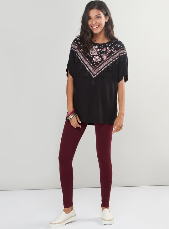 Embroidered Top with Round Neck and Short Sleeves