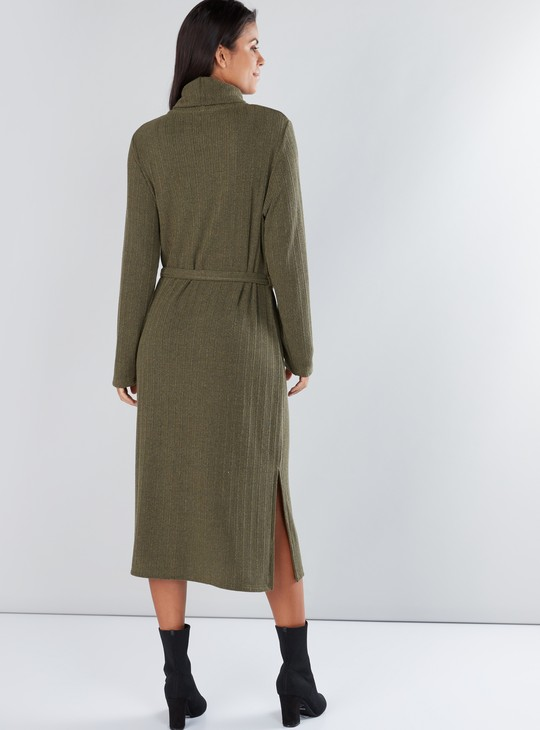 Textured Midi Dress with Turtleneck and Long Sleeves