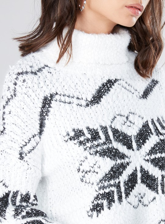 Textured Long Sleeves Sweater with Turtleneck