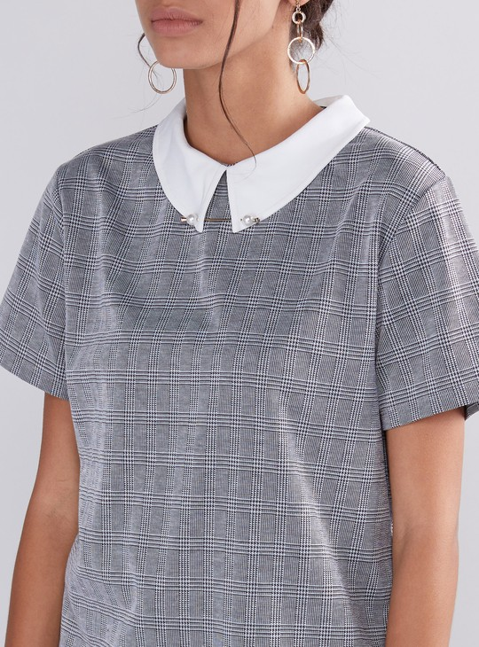 Chequered Top with Short Sleeves and Pearl Detail