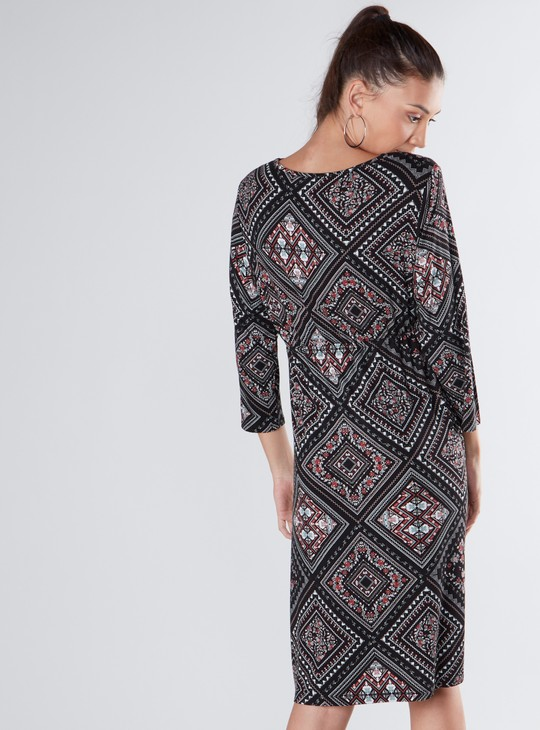 Geometric Print Round Neck Maternity Dress with 3/4 Sleeves