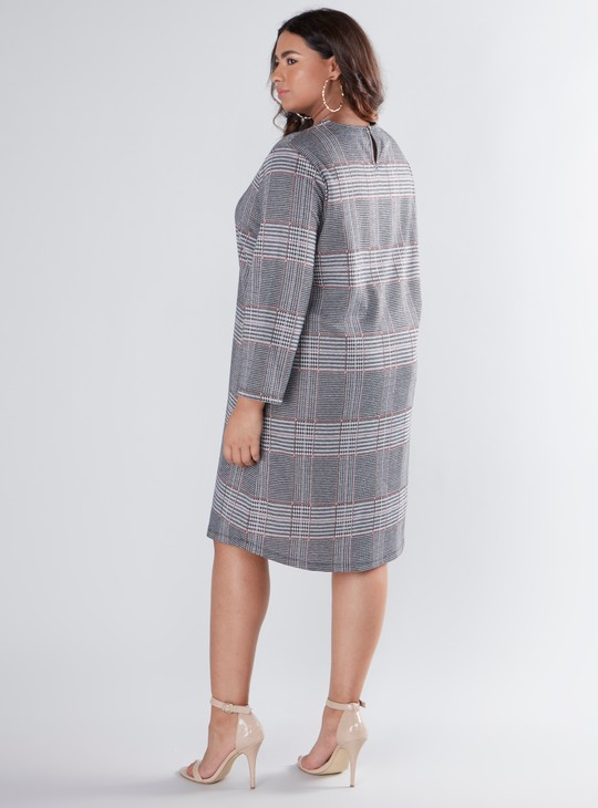Chequered Midi Shift Dress with Long Sleeves