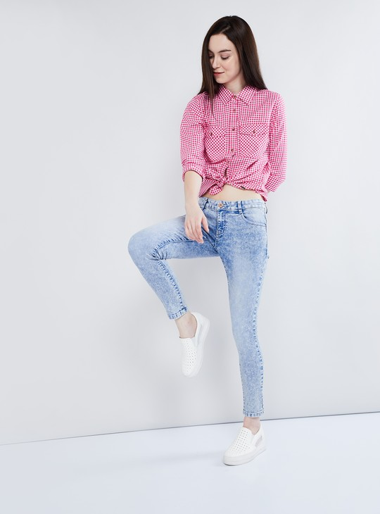 MAX Heavily Washed Ankle-Length Jeans