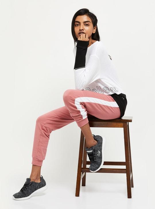 MAX Colorblocked Round Neck Sweatshirt