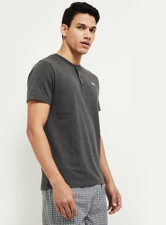 MAX Solid Henley Collar T-shirt