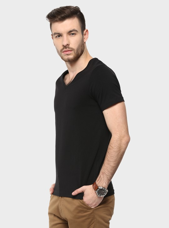 MAX Classic V-Neck T-Shirt