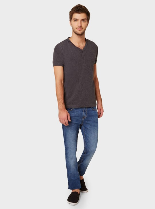 MAX Solid Henley Collar T-Shirt