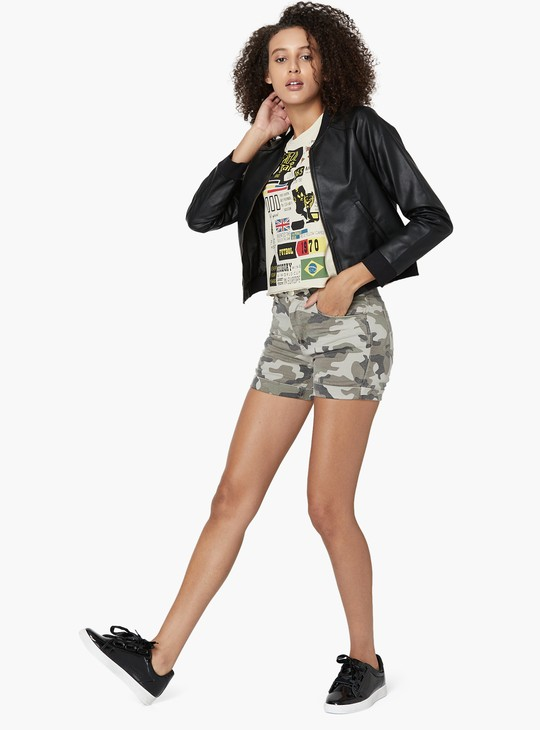 MAX Camouflage Print Button Closure Shorts