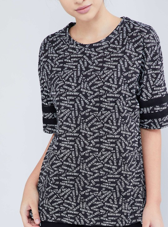 MAX Typo Printed Extended Sleeves Top