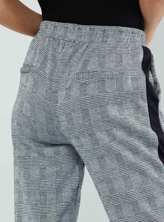MAX Checked Side Tape Cropped Pants