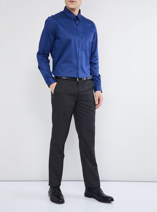 MAX Solid Low Rise Slim Fit Trousers