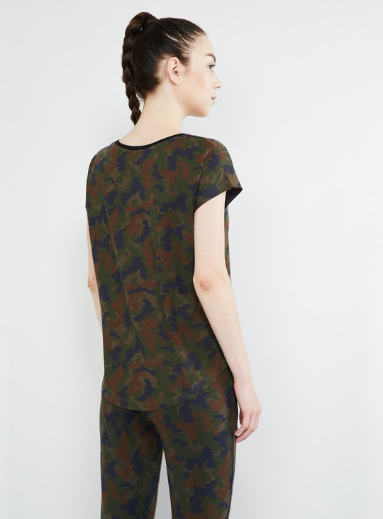 MAX Camouflage Print Round Neck T-shirt