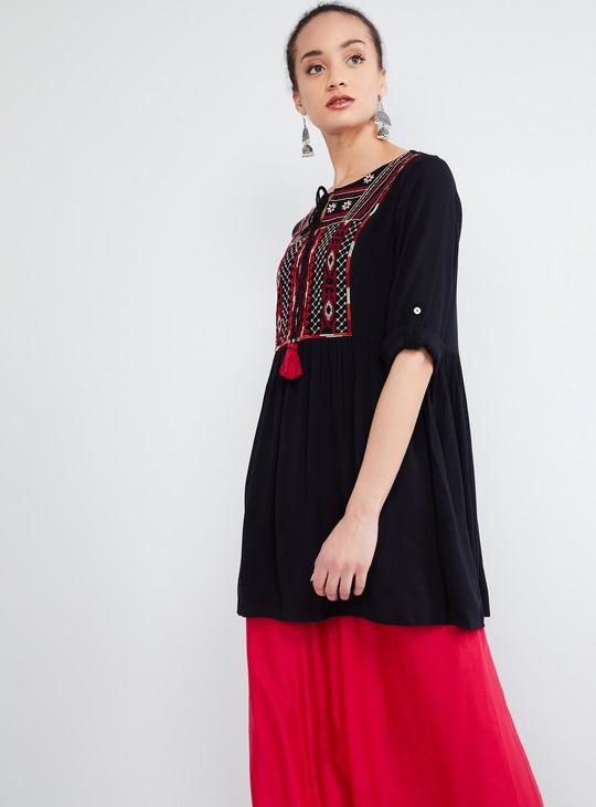 MAX Embroidered Tassel Tie-up Tunic