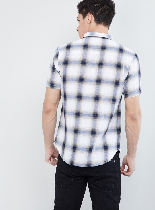 MAX Checked Short Sleeves Casual Slim Fit Shirt