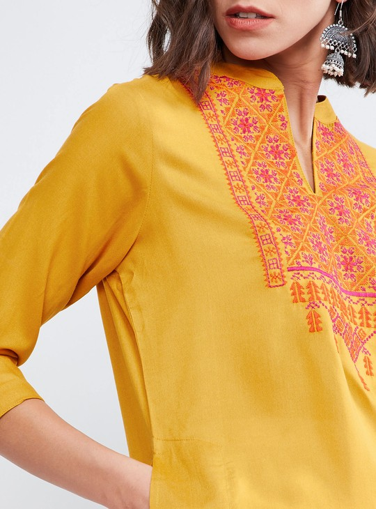 MAX Printed Yoke Straight Kurta