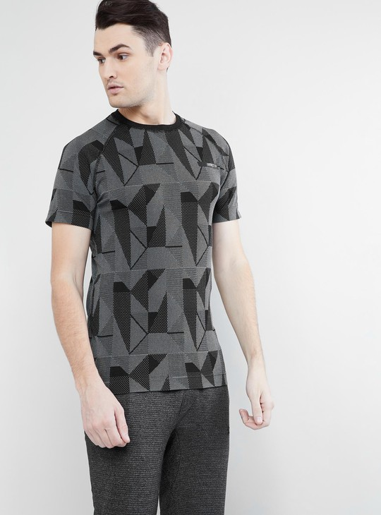MAX Geometric Print Short Sleeves T-shirt