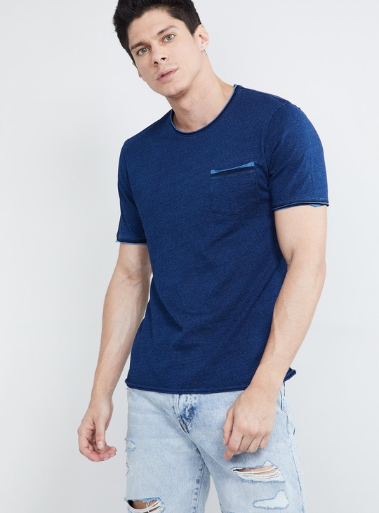 MAX Solid Patch Pocket Crew Neck T-shirt