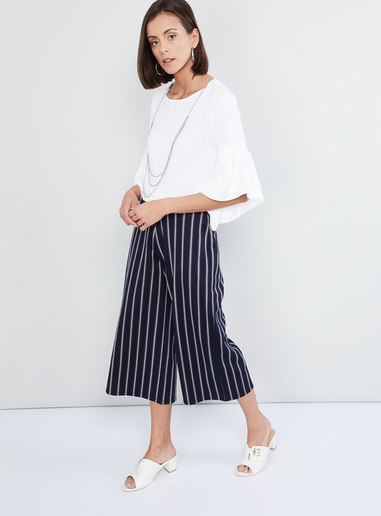 MAX Bell Sleeves Solid Top