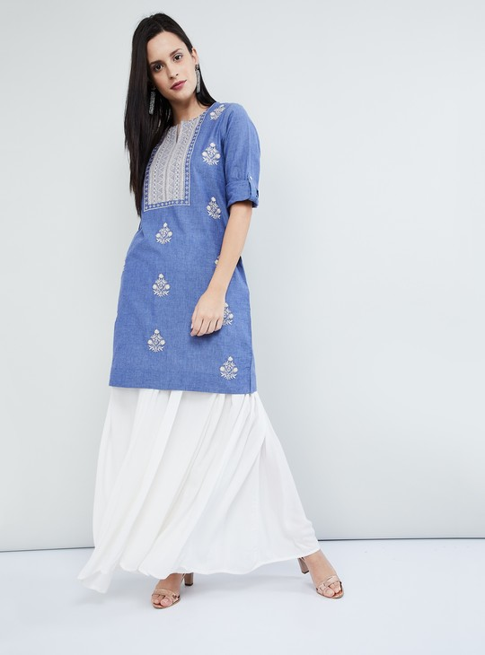 MAX Embroidered Rolled-Up Sleeves Kurta With Pockets