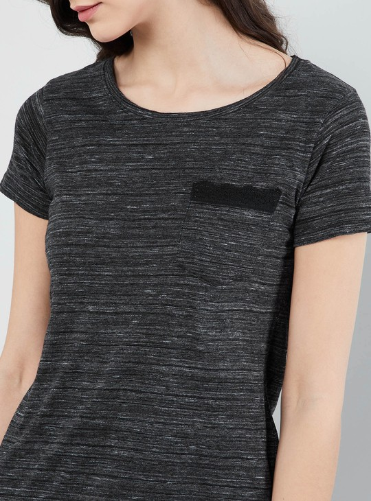 MAX Solid T-shirt with Pocket