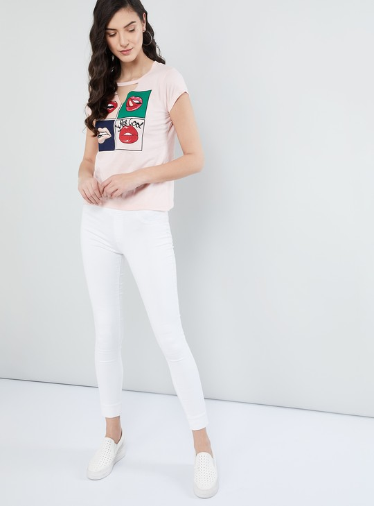 MAX Notch Hole Neck Graphic Print Top