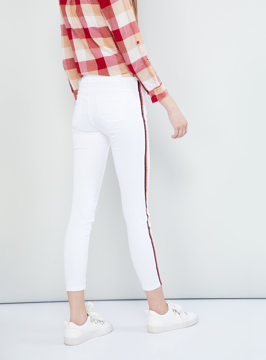 MAX Solid Regular Fit Panelled Jeans