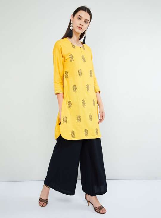 MAX Embroidered Three-quarter Sleeves Kurta