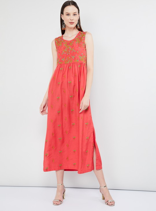 MAX Embroidered Sleeveless Dress