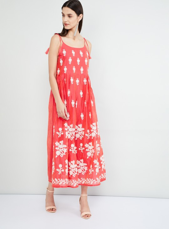 MAX Floral Embroidered Tie-Up Sleeves Midi-Dress