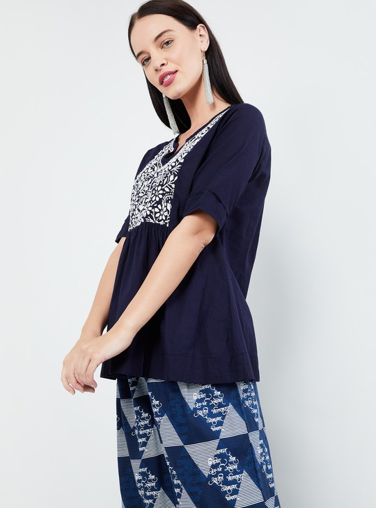 MAX Floral Embroidery Cotton Top