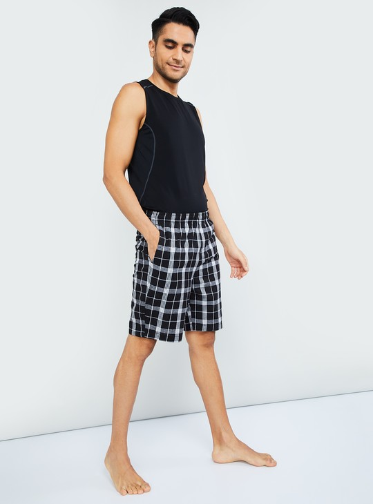 MAX Checked Shorts
