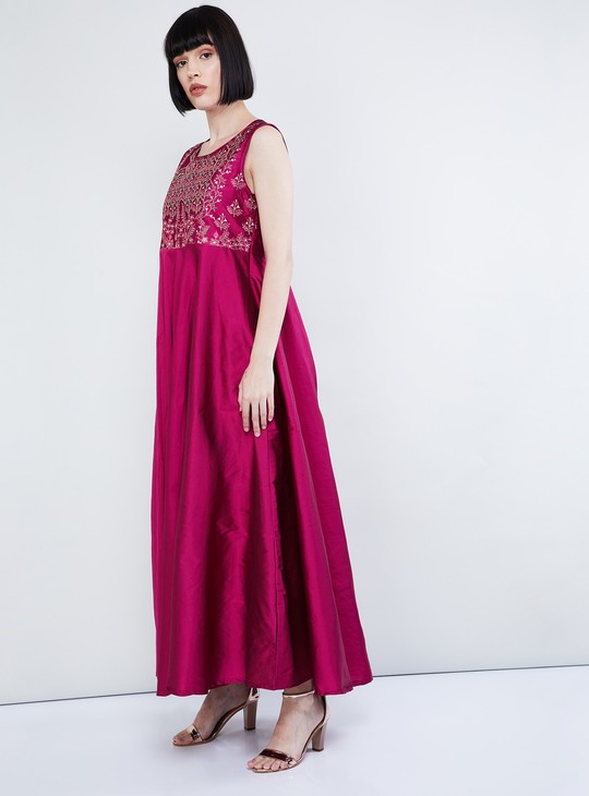 MAX Floral Embroidery Sleeveless Maxi Dress