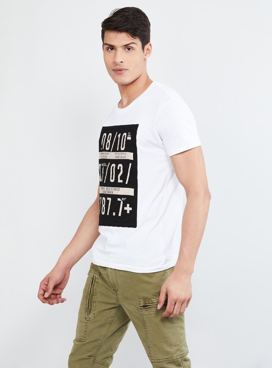 MAX Typographic Print Slim Fit Crew Neck T-shirt