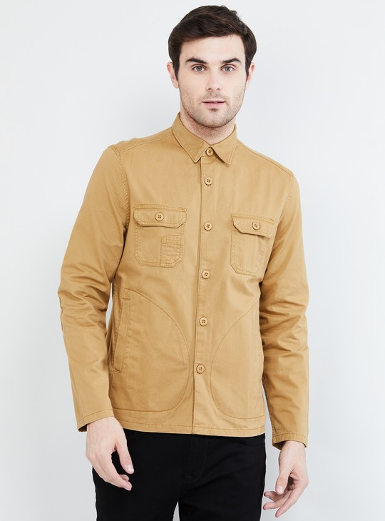 MAX Solid Slim Fit Casual Shirt with Buttoned Pockets