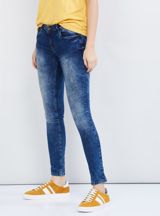 MAX Heavily Washed 5-Pocket Jeans