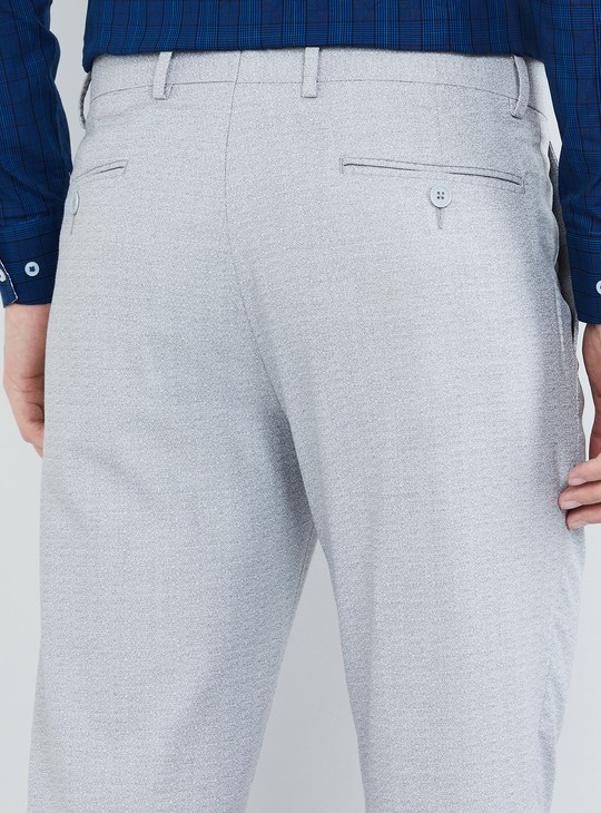 MAX Solid Slim Fit Cropped Trousers