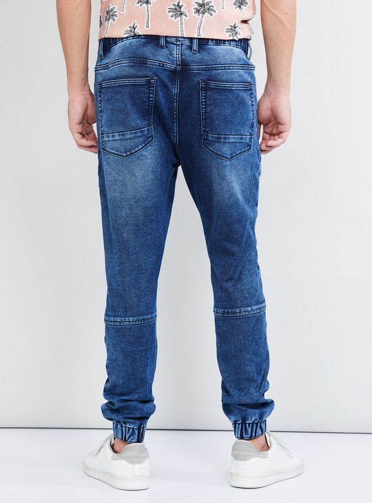 MAX Stonewashed Carrot Fit Jeans