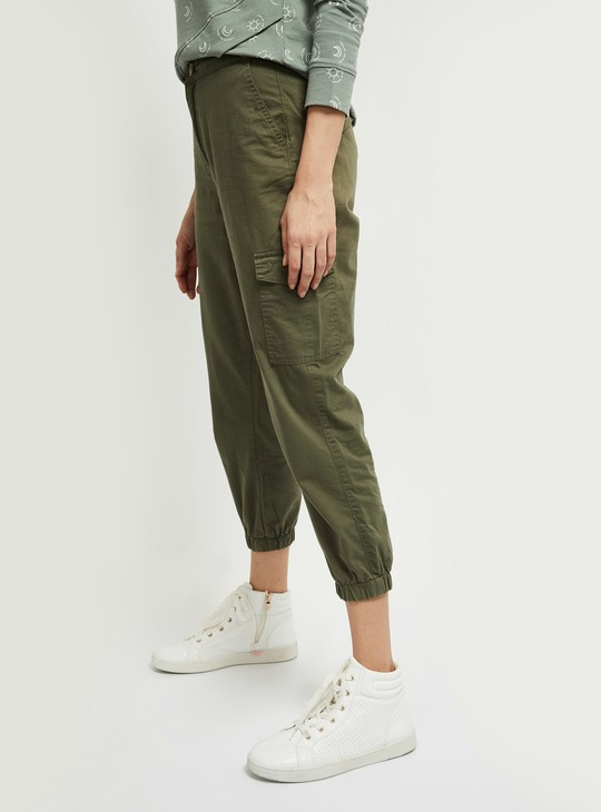 MAX Solid Cropped Cargo Joggers