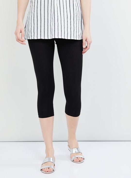 MAX Solid Knitted Capri Leggings