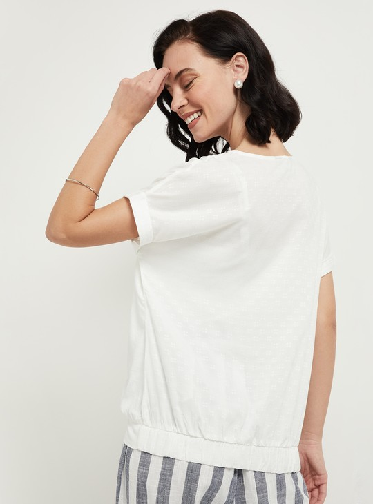 MAX Textured V-neck Top