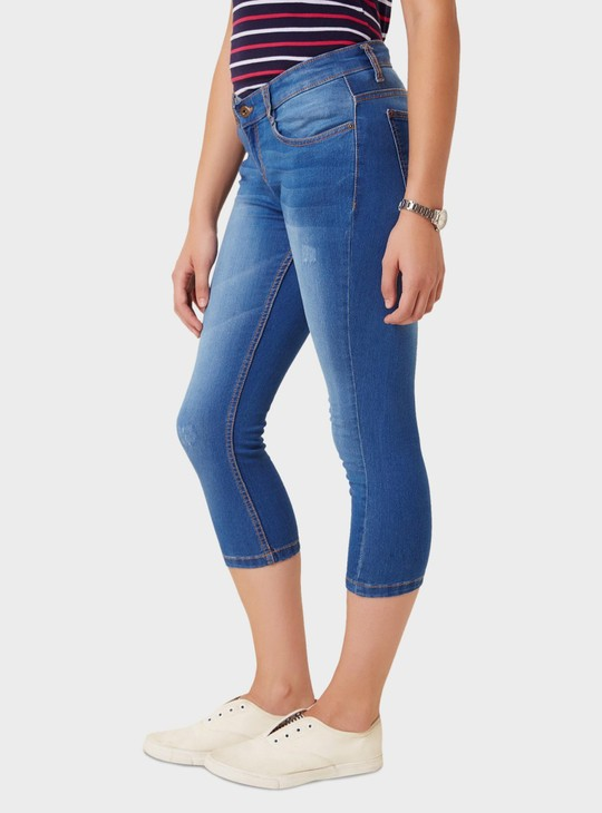MAX Lightly Distressed Five Pocket Capris