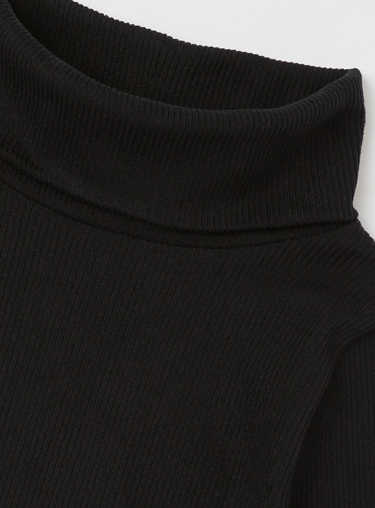 Textured T-shirt with Turtle Neck and Long Sleeves