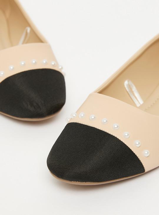 Pearl Detail Round Toe Ballerinas