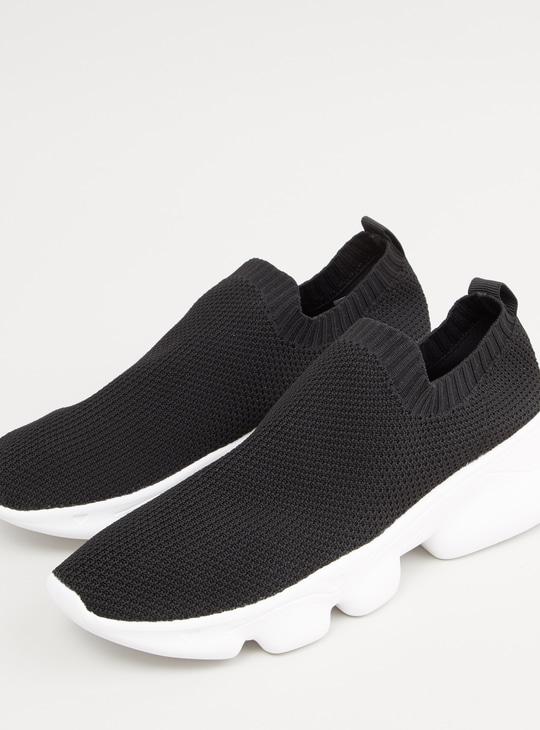 حذاء كاجوال سهل الارتداء بارز الملمس