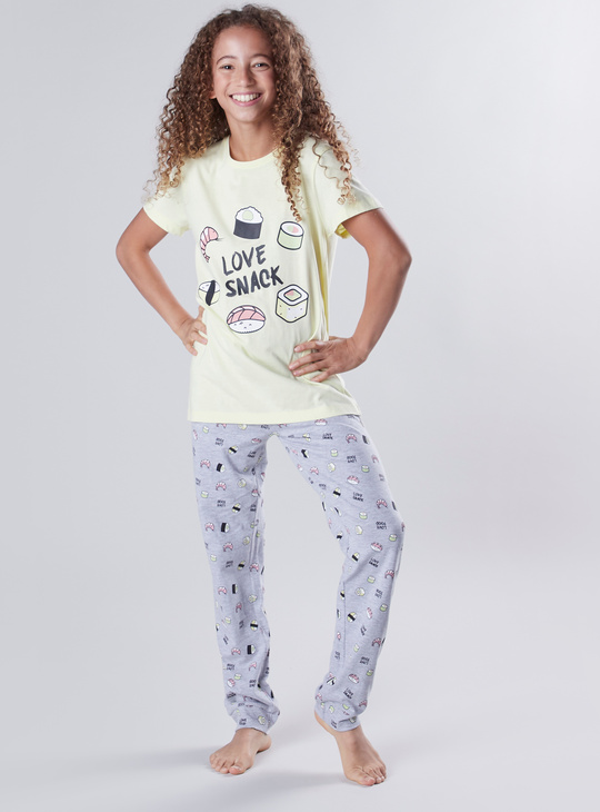 Printed Round Neck T-shirt with Full Length Jog Pants